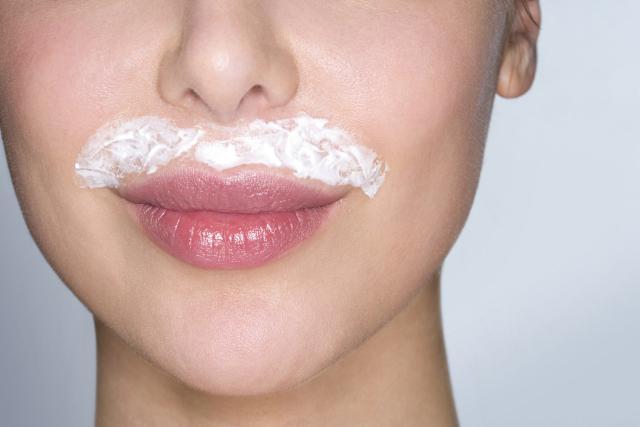 Ce remède naturel vous fera oublier vos problèmes de poils sur le visage