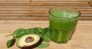 Obtenir un ventre plat : cette délicieuse boisson peut aider à éliminer la graisse du ventre